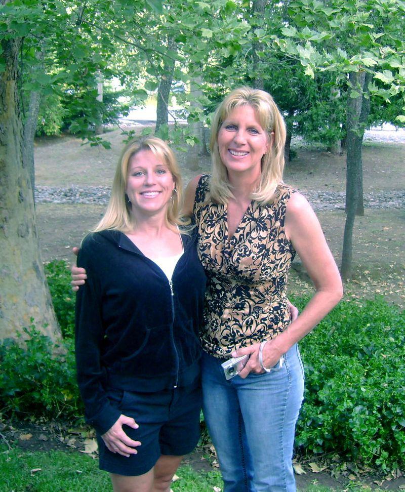 Jody&Diana5-09