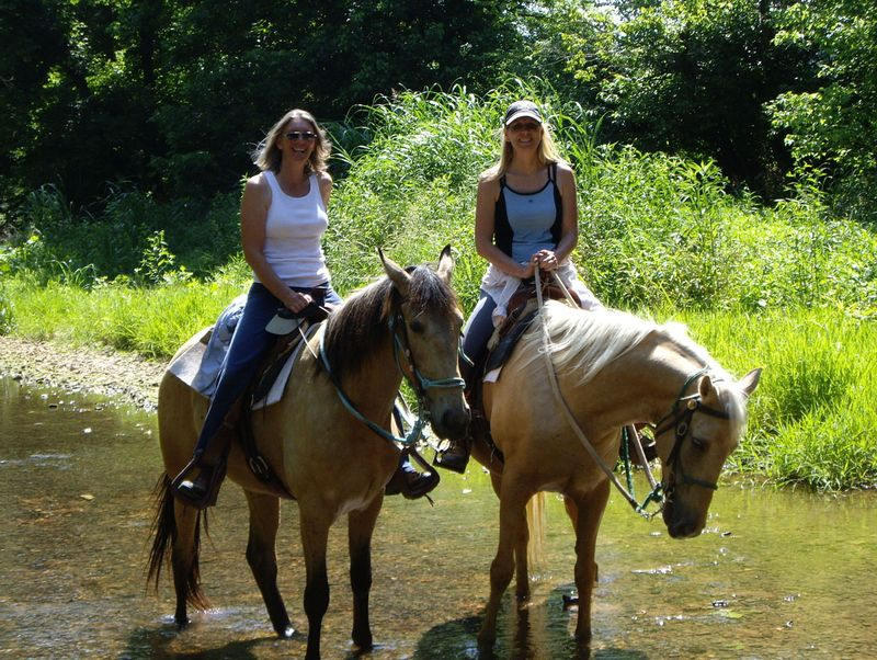 Lori&Diana&HorsesSm